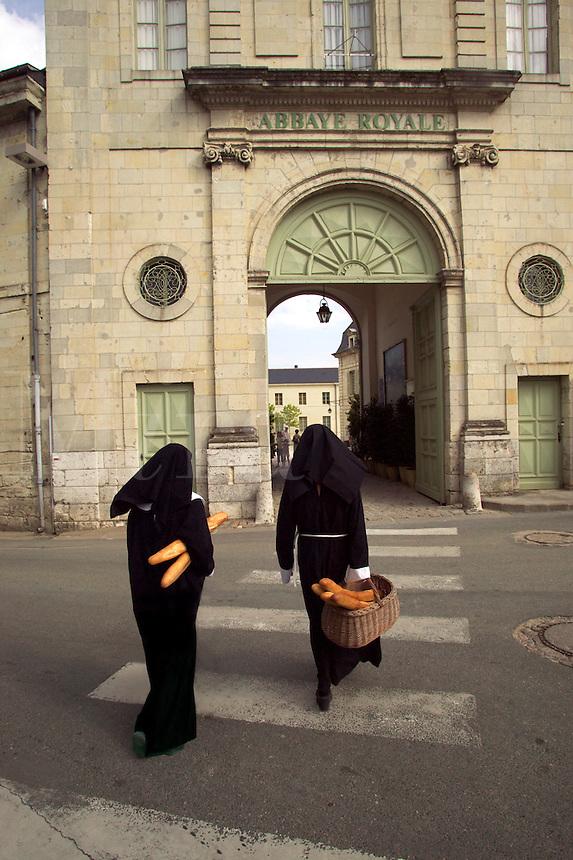 Nuns go shopping from Fontenvreau Abbey. La Loire region of France...MR