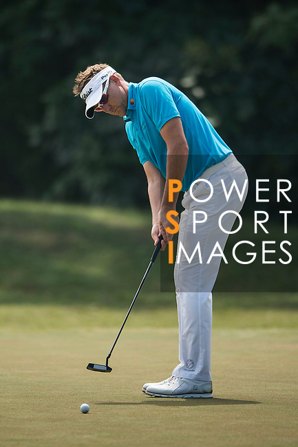Ian Poulter of United Kingdom in action during the Venetian Macao Open 2016 at the Macau Golf and Country Club on 16 October 2016 in Macau, China. Photo by Marcio Machado / Power Sport Images