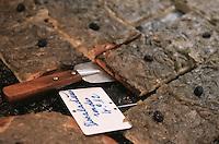 France/06/Alpes Maritimes/ Antibes: les Pissaladières de Jean Paul Veziano Boulanger 2 rue de la Pompe