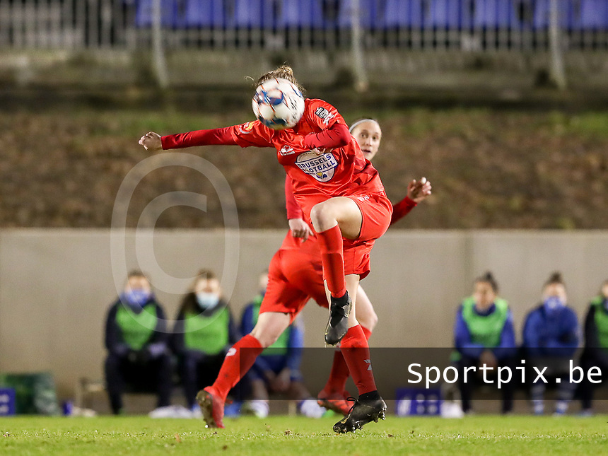 Selina Gijsbrechts (11) of Woluwe heads the ball during a female soccer game between FC Femina White Star Woluwe and AA Gent Ladies on the 13 th matchday of the 2020 - 2021 season of Belgian Scooore Womens Super League , friday 5 th of February 2021  in Woluwe , Belgium . PHOTO SPORTPIX.BE | SPP | SEVIL OKTEM