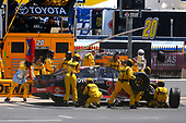 2017 Monster Energy NASCAR Cup Series<br /> O'Reilly Auto Parts 500<br /> Texas Motor Speedway, Fort Worth, TX USA<br /> Sunday 9 April 2017<br /> Matt Kenseth Toyota Let's Go Placess Toyota Camry pit stop<br /> World Copyright: Russell LaBounty/LAT Images<br /> ref: Digital Image 17TEX1rl_4617