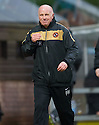 :: DUNDEE UTD MANAGER PETER HOUSTON AT THE END OF THE GAME ::