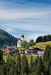 Austria, Vorarlberg, Damuels: popular resort at Bregenzerwald with parish church St. Nikolaus | Oesterreich, Vorarlberg, Damuels: beliebter Urlaubsort im Bregenzerwald mit Pfarrkirche St. Nikolaus