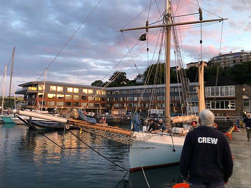 Ilen berthing at sunset in Kinsale, after a fair wind voyage all the way from Galway. And yes - it definitely is sunset. But the lights of the western sky, cross-reflected in the windows of the Trident Hotel, give a first impression of this being the Dawn Patrol