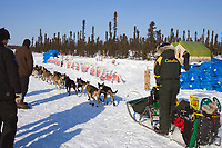 Jeff King arrives @ Cripple Chkpt 1/2way point of race 2006 Iditarod Interior Alaska Winter