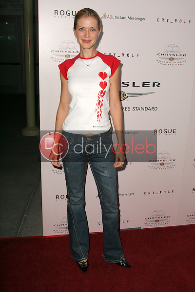 Suzanna Urszuly<br />at Chrysler Million Dollar Film Festival's VIP screening of Cry_Wolf. The Arclight Theaters, Hollywood, CA. 09-15-05<br />Dave Edwards/DailyCeleb.Com 818-249-4998