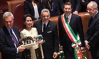 20131027 ROMA-ESTERI: AUNG SAN SUU KYI RICEVE LA CITTADINANZA ONORARIA DI ROMA IN CAMPIDOGLIO