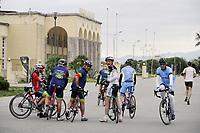 - Viareggio (Toscana), località balneare, ciclisti sulla passeggiata lungomare <br /> <br /> - Viareggio (Tuscany), seaside resort, cyclists on seafront promenade