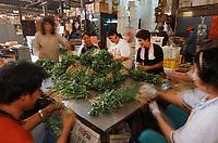 Thaïlande/Bangkok: Marché Parklong Talad - Détail du marché aux herbes
