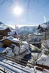 AUT, Oesterreich, Salzburger Land, Dienten: Dorfansicht mit Kirche auf dem Buehel, tief verschneit | AUT, Austria, Salzburger Land, Dienten: wintersport resort