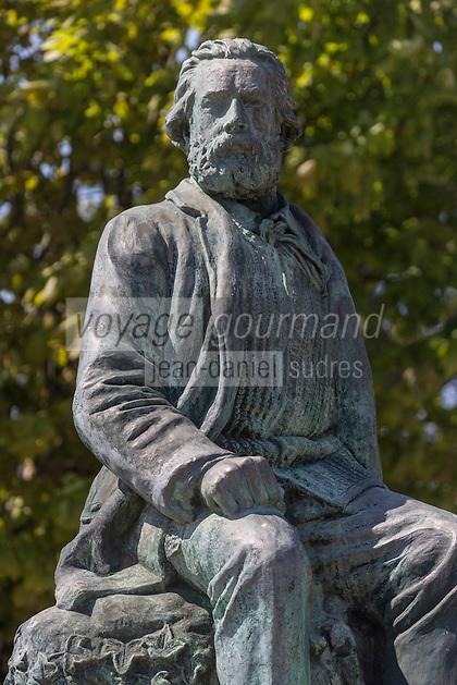 France, Manche (50), Cotentin, La Hague, Gréville-Hague, statue de Jean François Millet dans son village natal // France, Manche, Cotentin, La Hague, Greville Hague, Jean Francois Millet statue in his hometown