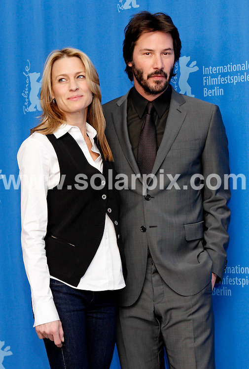 **ALL ROUND PICTURES FROM SOLARPIX.COM**.**SYNDICATION RIGHTS FOR UK AND SPAIN ONLY**.The photocall of 'The Private Lives Of Pippa Lee' at Berlinale, the 59th Berlin Film Festival. Berlin, Germany. 9 February 2009 ..This pic: Robin Wright Penn and Keanu Reeves..JOB REF: 8437 CPR (Heinz) DATE: 09_02_2009.**MUST CREDIT SOLARPIX.COM OR DOUBLE FEE WILL BE CHARGED**.**ONLINE USAGE FEE  GBP 50.00 PER PICTURE - NOTIFICATION OF USAGE TO PHOTO @ SOLARPIX.COM**