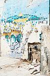 Naher Osten, Mittelmeer, Israel, Galilea, Akko, Akkon, Acre, St. Jean d'Acre, Altstadt ist UNESCO Weltkulturerbe, weisser hund, broeckelnde Hausfassade, Fassade, 3/2014<br /> Engl.: Near East, Mediterranean Sea, Israel, Galilee, Akko, Akkon, Acre, St. Jean d'Acre, Old City of Acre is UNESCO World Heritage site, white dog, 3/2014
