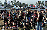 Wacken Open Air 2011 - WOA im beschaulichen Ort Wacken in Norddeutschland - 85 000 Fans der lauteren Töne pilgern zu ihrem Mekka nach Wacken - alle Größen des Heavy Metal Universums geben sich die Ehre - im Bild: das Publikum vor den Bühnen - Impression Übersicht. Foto: aif / Norman Rembarz..Jegliche kommerzielle wie redaktionelle Nutzung ist honorar- und mehrwertsteuerpflichtig! Persönlichkeitsrechte sind zu wahren. Es wird keine Haftung übernommen bei Verletzung von Rechten Dritter. Autoren-Nennung gem. §13 UrhGes. wird verlangt. Weitergabe an Dritte nur nach  vorheriger Absprache. Online-Nutzung ist separat kostenpflichtig..