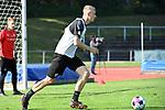 16.09.2020, Sportpark Illoshöhe, Osnabrück, GER, 2. FBL, Training VfL Osnabrueck <br /> <br /> im Bild<br /> Lukas Gugganig (VfL Osnabrück, 4) am Ball.<br /> <br /> Foto © nordphoto / Paetzel