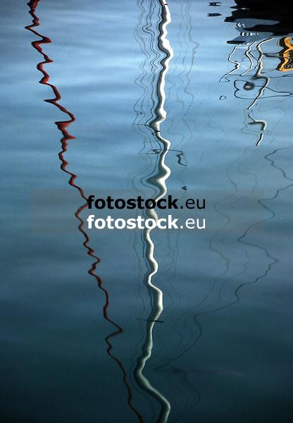 reflection of masts<br /> <br /> refleccion de palos<br /> <br /> Reflektion von Masten<br /> <br /> 2535 x 1758 px<br /> Original: 35 mm slide transparancy