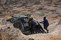 7th January 2021; Riyadh to Buraydah, Saudi Arabia; Dakar Rally, stage 5;  #440 Becquart Patrick (fra), Becquart Romain (fra), Can-Am, BBR/Mercier, SSV Series - T4, as the help tries to right his vehicle during the 5th stage of the Dakar 2021 between Riyadh and Al Qaisumah, in Saudi Arabia on January 7, 2021