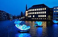 Nederland - Amsterdam -  2020. Amsterdam Light Festival. BUTTERFLY EFFECT van Masamichi Shimada.   Foto Berlinda van Dam / Hollandse Hoogte