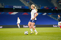 LE HAVRE, FRANCE - APRIL 13: Lindsey Horan #9 of the United States looks for an open man downfield during a game between France and USWNT at Stade Oceane on April 13, 2021 in Le Havre, France.