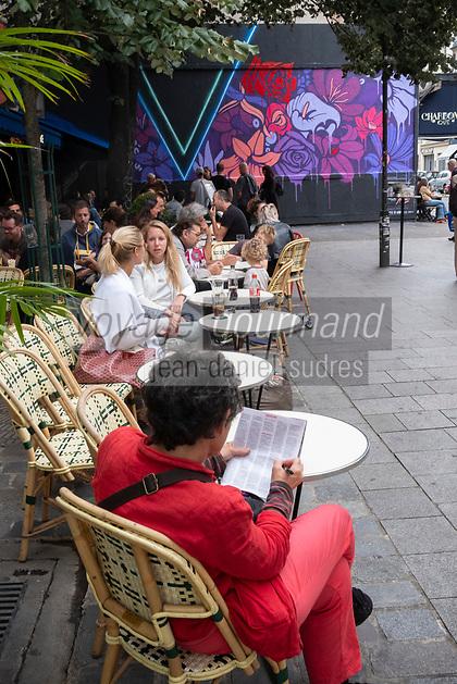 Europe/ Ile de France / Paris /75011 :Performance n° 240 au M.U.R. XI le samedi 19 août 2017 par NERONE sur Le mur d'Oberkampf, ce pari fou devenu une institution du street art parisien  sur l'immeuble de l'historique Café Charbon, L'association le M.U.R. (modulable, urbain, réactif)  OP Oeuvre Protégée//  Europe / Ile de France / Paris / 75011: Performance n ° 240 at M.U.R. XI on Saturday, August 19, 2017 by NERONE on Le mur d'Oberkampf, this crazy bet that has become an institution of Parisian street art on the building of the historic Café Charbon, the M.U.R.  (modular, urban, responsive)  OP Protected work /