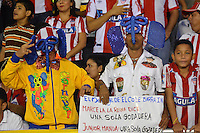 BARRANQUIILLA -COLOMBIA-30-01-2016: Hinchas del Atlético Junior animan a su equipo durante el encuientro con Atlético Huila por la fecha 1 de la Liga Águila I 2016 jugado en el estadio Metropolitano Roberto Meléndez de la ciudad de Barranquilla./ Fans of Atletico Juniorcheer for their team during the match with Atletico Huila for the date 1 of the Aguila League I 2016 played at Metropolitano Roberto Melendez stadium in Barranquilla city.  Photo: VizzorImage/Alfonso Cervantes/
