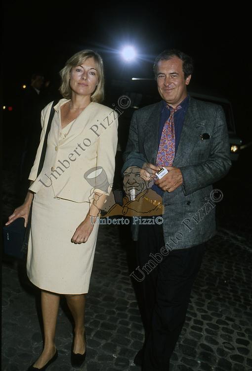 BERNARDO BERTOLUCCI CON LA MOGLIE CLARE PEPLOE<br /> PREMIO CIAK D'ORO - ROMA 1988