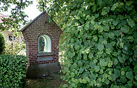 roadside chapel <br /> cycling hotspots & impressions in Heuvelland<br /> <br /> Cycling In Flanders <br /> Flanders Tourist Board<br /> <br /> ©kramon