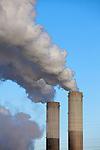 Europa, DEU, Deutschland, Nordrhein Westfalen, NRW, Rheinland, Niederrhein, Grevenbroich, Kraftwerk Frimmersdorf, Braunkohlekraftwerk, Rauch, Schornstein, Abgase, Rauchgas, Emission, Kategorien und Themen, Umwelt, Umweltschutz, Umweltverschmutzung, Umweltprobleme, Umweltbelastung, Umweltzerstoerung, Umweltsuender, Umweltverbrechen, Umweltthema, Umweltthemen, Industrie, Industriefotografie, Wirtschaft, Wirtschaftsthemen, Technik, Technologie, Technologien....[Fuer die Nutzung gelten die jeweils gueltigen Allgemeinen Liefer-und Geschaeftsbedingungen. Nutzung nur gegen Verwendungsmeldung und Nachweis. Download der AGB unter http://www.image-box.com oder werden auf Anfrage zugesendet. Freigabe ist vorher erforderlich. Jede Nutzung des Fotos ist honorarpflichtig gemaess derzeit gueltiger MFM Liste - Kontakt, Uwe Schmid-Fotografie, Duisburg, Tel. (+49).2065.677997, ..archiv@image-box.com, www.image-box.com]