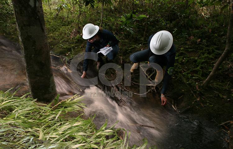 Reconocimiento ambiental de consultores de ASI en Campo Rubiales, Meta, Colombia..