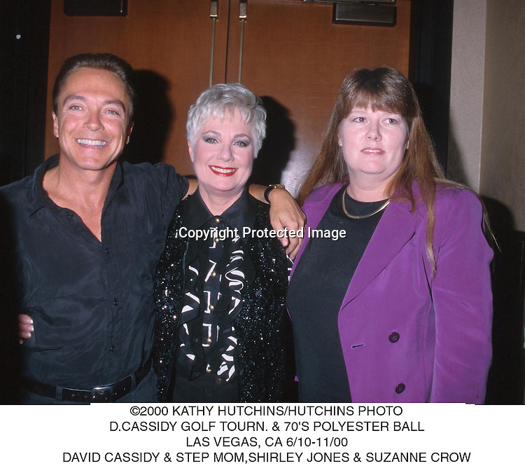 ©2000 KATHY HUTCHINS/HUTCHINS PHOTO.D. CASSIDY GOLF TOURN.  &70'S POLYESTER BALL.LAS VEGAS,  CA 6/10-11/00.DAVID CASSIDY & STEP MOM, SHIRLEY JONES & SUZANNE.CROW
