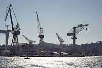 - southern France , shipyards of La Ciotat; almost disused, are occasionally utilized as movie set<br /> <br /> - Francia del sud, cantieri navali di La Ciotat; pressochè abbandonati, vengono saltuariamente utilizzati come set cinematografico