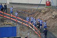 Mannschaft des SV Darmstadt 98 in der Baustelle des Stadion am Böllenfalltor<br /> <br /> - 08.11.2020: Fussball 2. Bundesliga, Saison 20/21, Spieltag 7, SV Darmstadt 98 - SC Paderborn 07, emonline, emspor, <br /> <br /> Foto: Marc Schueler/Sportpics.de<br /> Nur für journalistische Zwecke. Only for editorial use. (DFL/DFB REGULATIONS PROHIBIT ANY USE OF PHOTOGRAPHS as IMAGE SEQUENCES and/or QUASI-VIDEO)