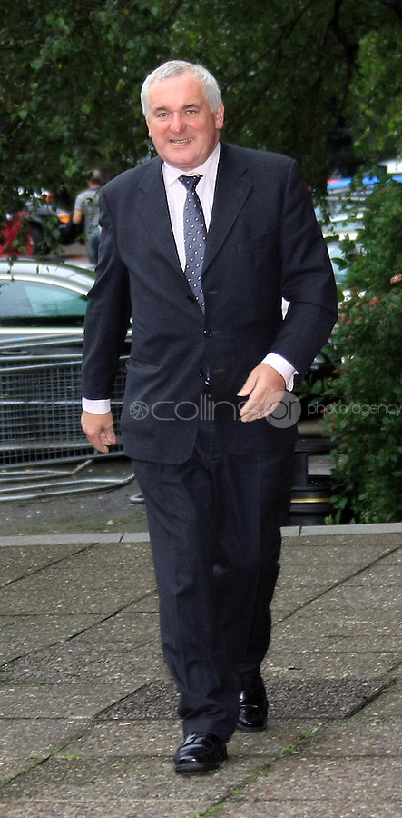 15/09/'08 Former Taoiseach, Bertie Ahern pictured arriving at the Mahon Tribunal this morning where he is due to give evidence...Picture Collins, Dublin, Colin Keegan.