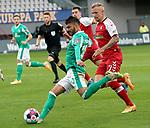 17.10.2020, Schwarzwald Stadion, Freiburg, GER, 1.FBL, SC Freiburg vs SV Werder Bremen<br /><br />im Bild / picture shows<br />Leonardo Bittencourt (Bremen), Jonathan Schmid (Freiburg)<br /><br />Foto © nordphoto / Bratic<br /><br />DFL REGULATIONS PROHIBIT ANY USE OF PHOTOGRAPHS AS IMAGE SEQUENCES AND/OR QUASI-VIDEO.