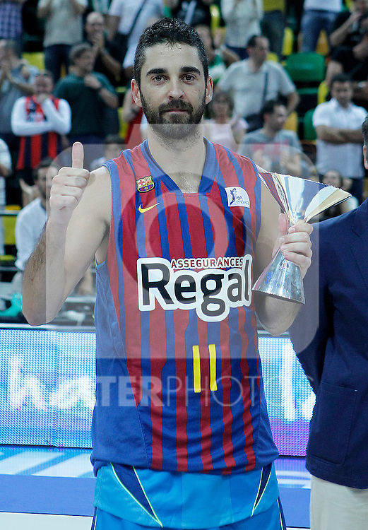 FC Barcelona Regal's Juan Carlos Navarro with the MVP trophy during Supercopa ACB Final match.October 1,2011. (ALTERPHOTOS/Acero)