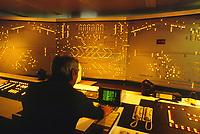 - aeroporto di Francoforte (Germania), sala di controllo del sistema automatico di consegna dei bagagli<br /> <br /> - Frankfurt airport (Germany), control room of automatic system for the luggages delivery