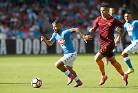 Calcio, Serie A: Napoli vs Roma. Napoli, stadio San Paolo, 15 ottobre. <br /> Napoli Lorenzo Insigne, left, is chased by Roma Leandro Paredes during the Italian Serie A football match between Napoli and Roma at Naples' San Paolo stadium, 15 October 2016. Roma won 3-1.<br /> UPDATE IMAGES PRESS/Isabella Bonotto