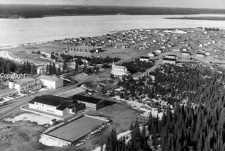 1972 FILE PHOTO - ARCHIVES -<br /> <br /> Fort George is the largest community in the region that will be affected by Quebec's plans for the east shore of James Bay. The 1;250 Indians who live there fear it will be flooded.<br /> <br /> PHOTO :  Keith  BEATY  - Toronto Star Archives - AQP