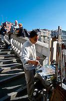 Rialtobrücke, Venedig,  Venetien, Italien, Unesco-Weltkulturerbe
