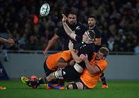 NZ's Brodie Retallick gets a pass away during the Bledisloe Cup rugby match between the New Zealand All Blacks and Australia Wallabies at Eden Park in Auckland, New Zealand on Saturday, 7 August 2021. Photo: Dave Lintott / lintottphoto.co.nz