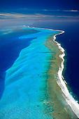 Lagon intérieur du Récif Tétembia au large de Tomo, Nouvelle-Calédonie
