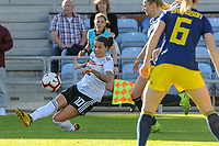 20200304 Faro , Portugal : German midfielder Dzsenifer Marozsan (10) pictured during the female football game between the national teams of Germany and Sweden on the first matchday of the Algarve Cup 2020 , a prestigious friendly womensoccer tournament in Portugal , on wednesday 4 th March 2020 in Faro , Portugal . PHOTO SPORTPIX.BE | STIJN AUDOOREN