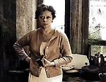 """Кадр и фильма """"Сталкер"""" (1979) CCCH; Режиссер: Андрей Тарковский; В ролях: Алиса Фрейндлих; / Filmstill """"Stalker"""" (1979) USSR; Director: Andrey Tarkovskiy; Stars: Alisa Freindlich;"""