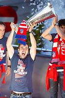 Atletico de Madrid Gabi Fernandez celebrating Europa League Championship at Neptune Fountain in Madrid, Spain. May 18, 2018.  *** Local Caption *** © pixathlon<br /> Contact: +49-40-22 63 02 60 , info@pixathlon.de
