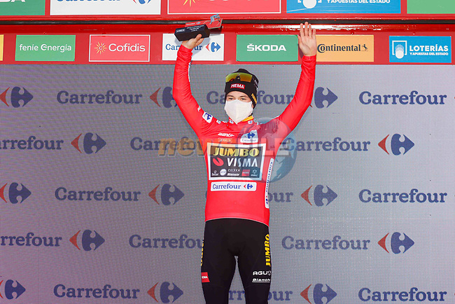 Primoz Poglic (SLO) Team Jumbo-Visma wins the stage and retakes the Red Jersey at the end of Stage 13 of the Vuelta Espana 2020 an individual time trial running 33.7km from Muros to Mirador de Ézaro. Dumbría, Spain. 3rd November 2020. <br /> Picture: Luis Angel Gomez/PhotoSportGomez | Cyclefile<br /> <br /> All photos usage must carry mandatory copyright credit (© Cyclefile | Luis Angel Gomez/PhotoSportGomez)