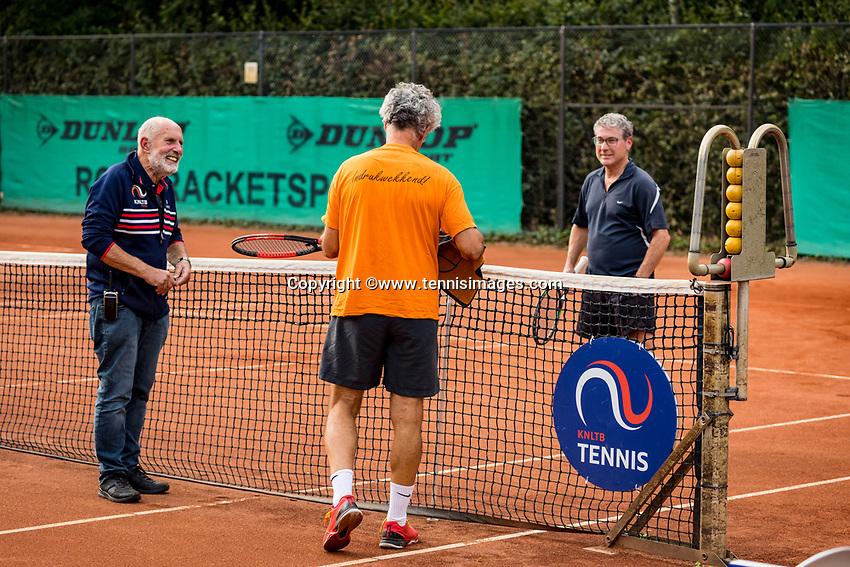 Hilversum, The Netherlands,  August 20, 2021,  Tulip Tennis Center, NKS, National Senior Tennis Championships, Men's single, toss<br /> Photo: Tennisimages/Henk Koster