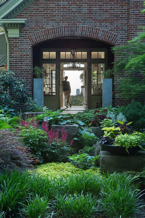 Chestnut Hills Drive Gardens   Landscape Architects: Visionscapes Landscape Architects