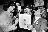 Confrontation de partisans entre  federaliste et souverainiste 1980 a Montreal<br /> jacques nadeau