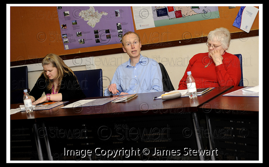 14/03/2008    Copyright Pic: James Stewart.File Name : 18_CSP_Launch.COMMUNITY SUPPORT PACK LAUNCH :: 13TH MARCH 2008.LIONTHORN COMMUNITY WOODLAND ASSOCIATION DISCUSSION GROUP...James Stewart Photo Agency 19 Carronlea Drive, Falkirk. FK2 8DN      Vat Reg No. 607 6932 25.Studio      : +44 (0)1324 611191 .Mobile      : +44 (0)7721 416997.E-mail  :  jim@jspa.co.uk.If you require further information then contact Jim Stewart on any of the numbers above........