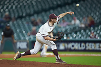 Mississippi State Bulldogs relief pitcher Zach Neff (3) delivers a pitch to the plate against the Houston Cougars in game six of the 2018 Shriners Hospitals for Children College Classic at Minute Maid Park on March 3, 2018 in Houston, Texas. The Bulldogs defeated the Cougars 3-2 in 12 innings. (Brian Westerholt/Four Seam Images)